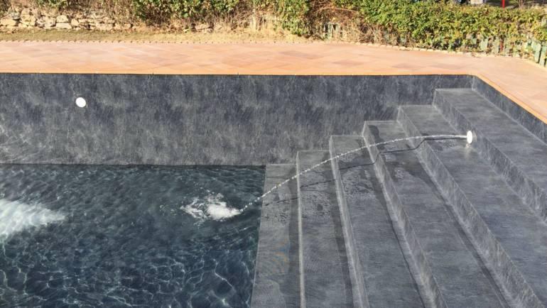 Rehabilitación integral de piscina revestida con lámina armada ALKORPLAN Touch Elegance