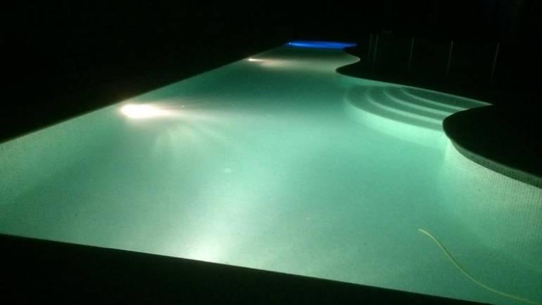 Rehabilitación piscina desbordante y ampliación piscina infantil