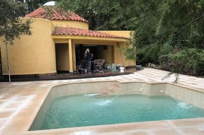 Rehabilitación de piscina y entorno